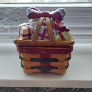 Longaberger Little Helper Basket w/Ceramic Topper